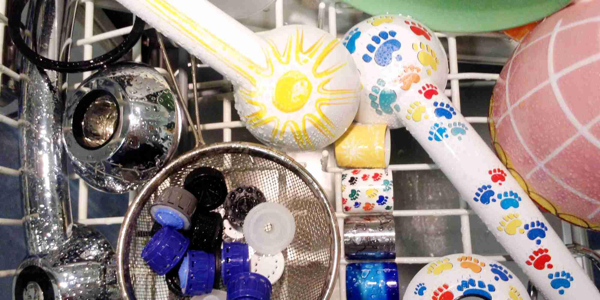 gegen Verkeimungen: in der Spülmaschine waschen