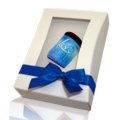 Giftbox w. windows, blue ribbon